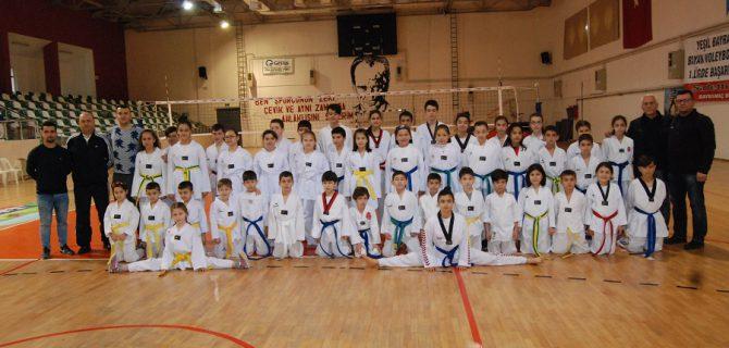 Taekwondocular sınava girdi