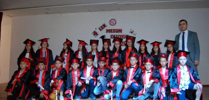 Mehmet Akif'te mezuniyet heyecanı