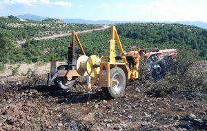 Traktörden çıkan yangın araziye sıçradı