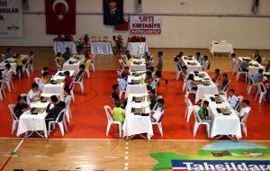Bayramiç'te öğrenciler için satranç turnuvası