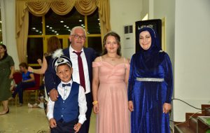 Akıncı ailesinden çifte cemiyet