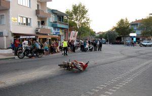 İki motosiklet çarpıştı; 1 yaralı