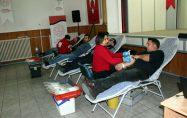 Bayramiçliler, kan verdi