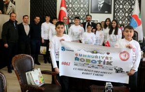 Cumhuriyet Robotik, Bursa'da yarışacak
