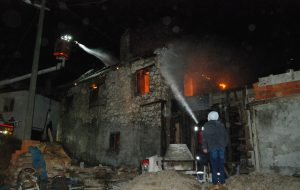 Pınarbaşı Köyü'nde ev yangını