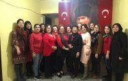 CHP'li kadınlardan, ikiz kızlara tacize sert tepki