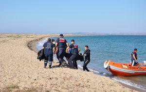 Ezine'de iki genç boğuldu
