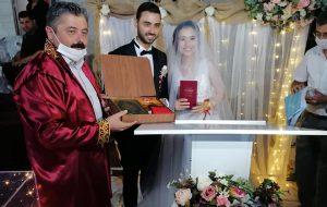 Esra ile Cankut evlendi