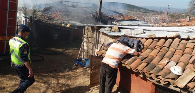 Kutluoba'da ev yangını