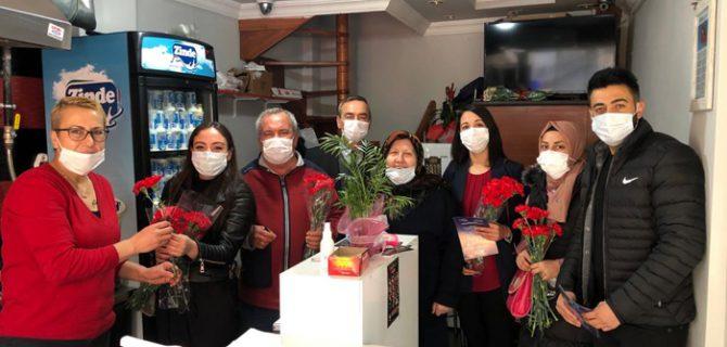 İYİ Parti, Kadınlar Günü'nü kutladı