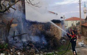 Saraycık'ta ev yangını