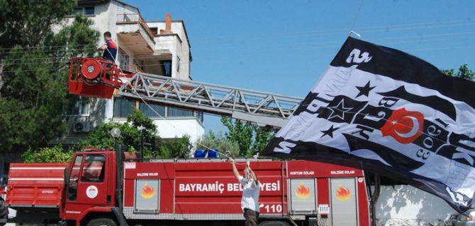 Menderes'e Beşiktaş bayrağı