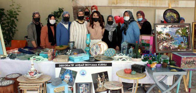 Bayramiç Halk Eğitim Merkezi'nden yıl sonu sergisi