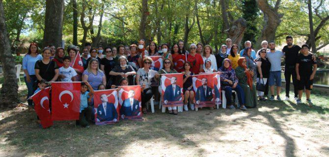 Millet İttifakı kadınları, bayramı kutladı