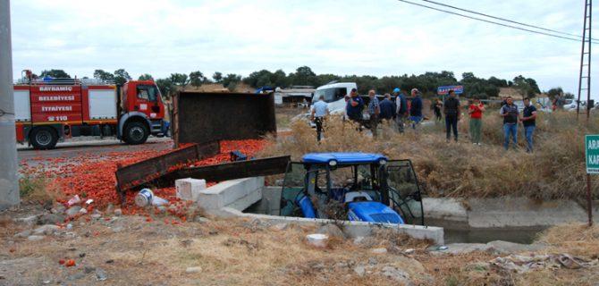 TIR, traktöre arkadan çarptı; 5 yaralı
